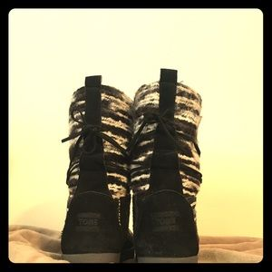Toms black Nepal boots. Size 7.